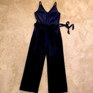 ♦️NWT Banana Republic Lightweight Velvet Jumpsuit